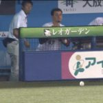 【プロ野球パ】クルーズ、カワイイよ! 大暴投をお茶目に回避 2015/07/29 M-L