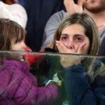 【感動サプライズ】サッカー観戦の帰りに事故死した夫と息子。チームが遺族に送った驚きのサプライズとは!? 【泣ける話】