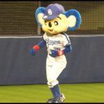 ドアラ、昭和の名曲 葛城ユキさんのボヘミアンの曲に乗って踊る♪カワイイッ♥