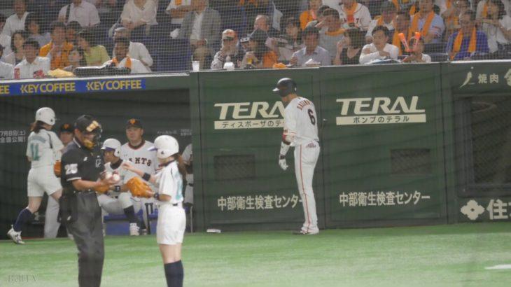 2017.6.16 ファールボールにびっくりする読売ジャイアンツ 坂本勇人